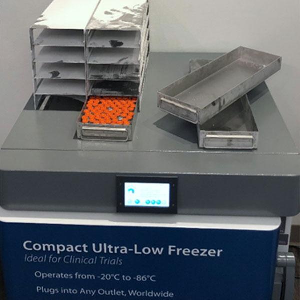 SU105UE freezer